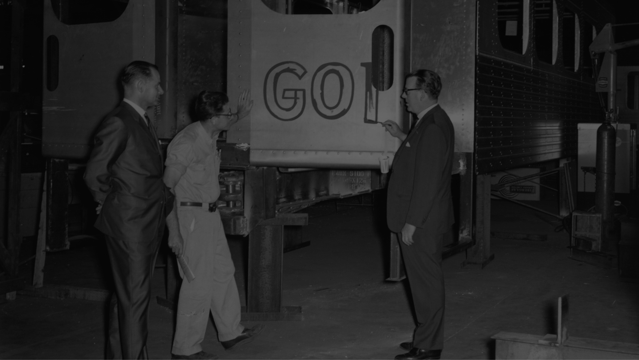 GO Transit 60s logo paint